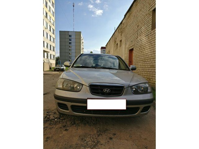 Hyundai Elantra (2002)
