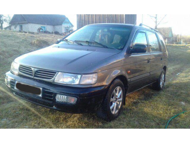 Mitsubishi Space Wagon (1997)