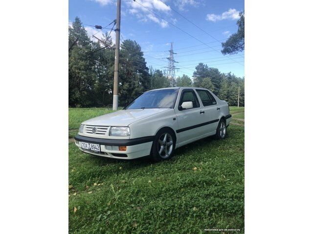 Volkswagen Vento (1997)