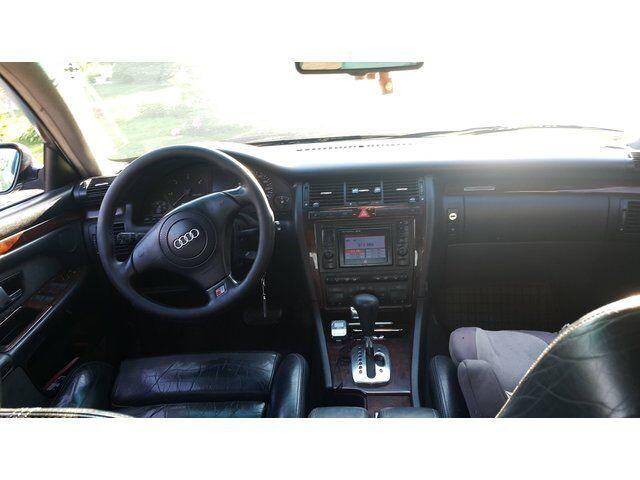 Audi A8 (2000)