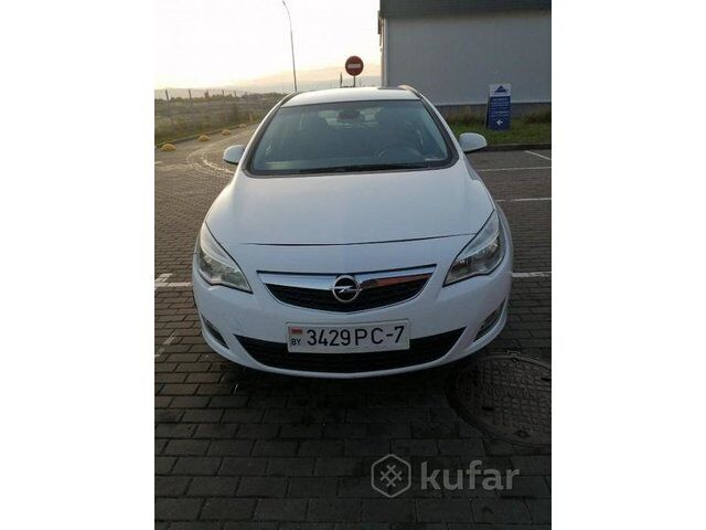 Opel Astra (2011)