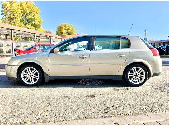 Opel Signum (2003)