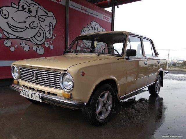 Lada 21013 (1986)