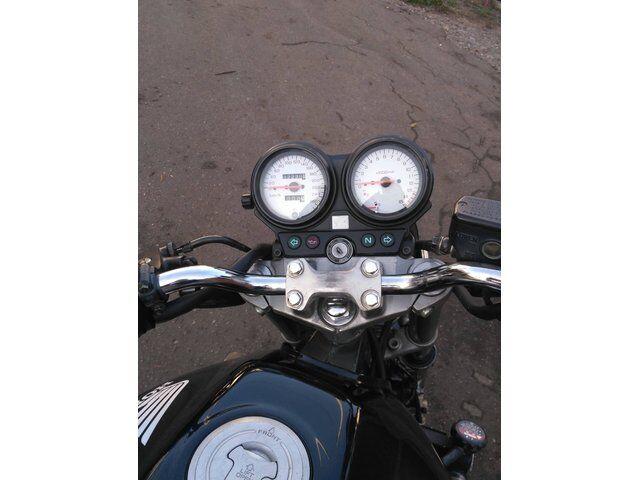 Honda CB (1999)