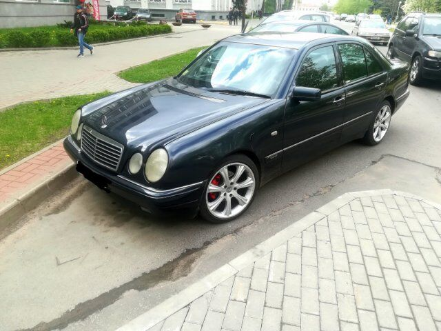 Mercedes E (W210,S210) (1997)