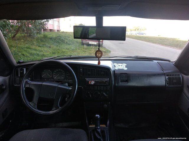Volkswagen Passat B3 (1989)