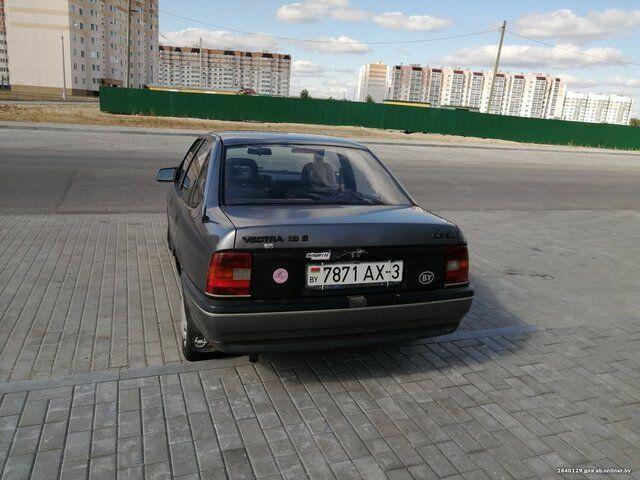 Opel Vectra (1989)