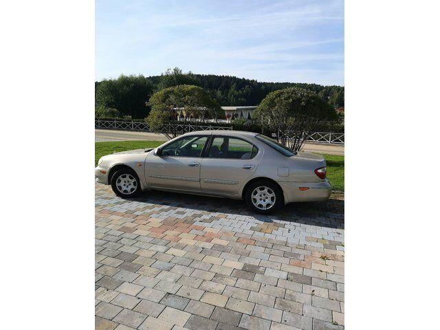 Nissan Maxima (2000)