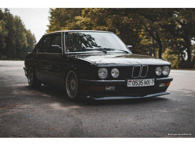 BMW 5 (E60, E61) (1983)