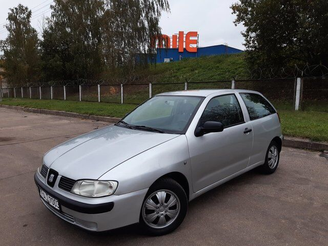 SEAT Ibiza (2001)