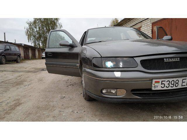 Renault Safrane (1999)