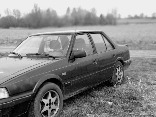 Mazda 626 (1987)