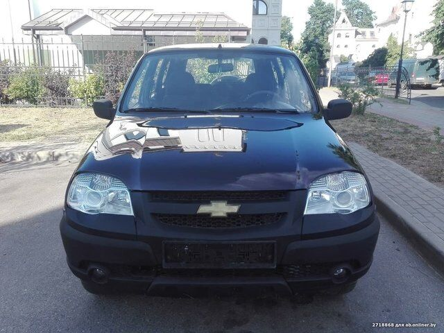 Chevrolet Niva (2010)