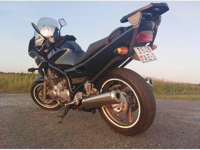 Yamaha XJ (2000)