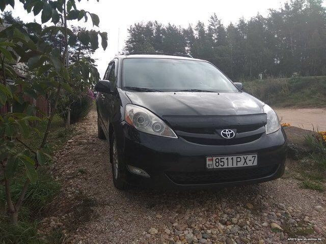 Toyota Sienna (2008)