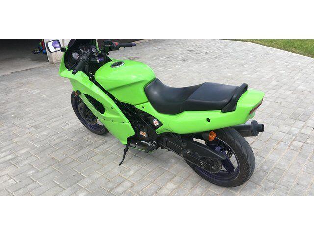 Kawasaki GPZ (1997)