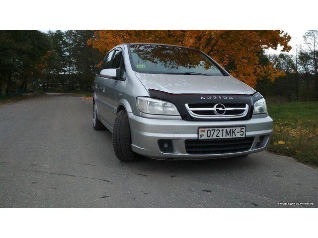 Opel Zafira (2004)