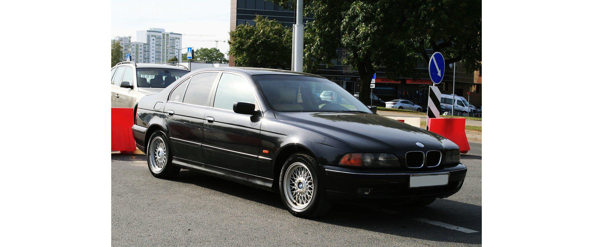 BMW 5 (E39) (2000)