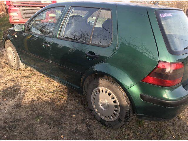 Volkswagen Golf (1999)