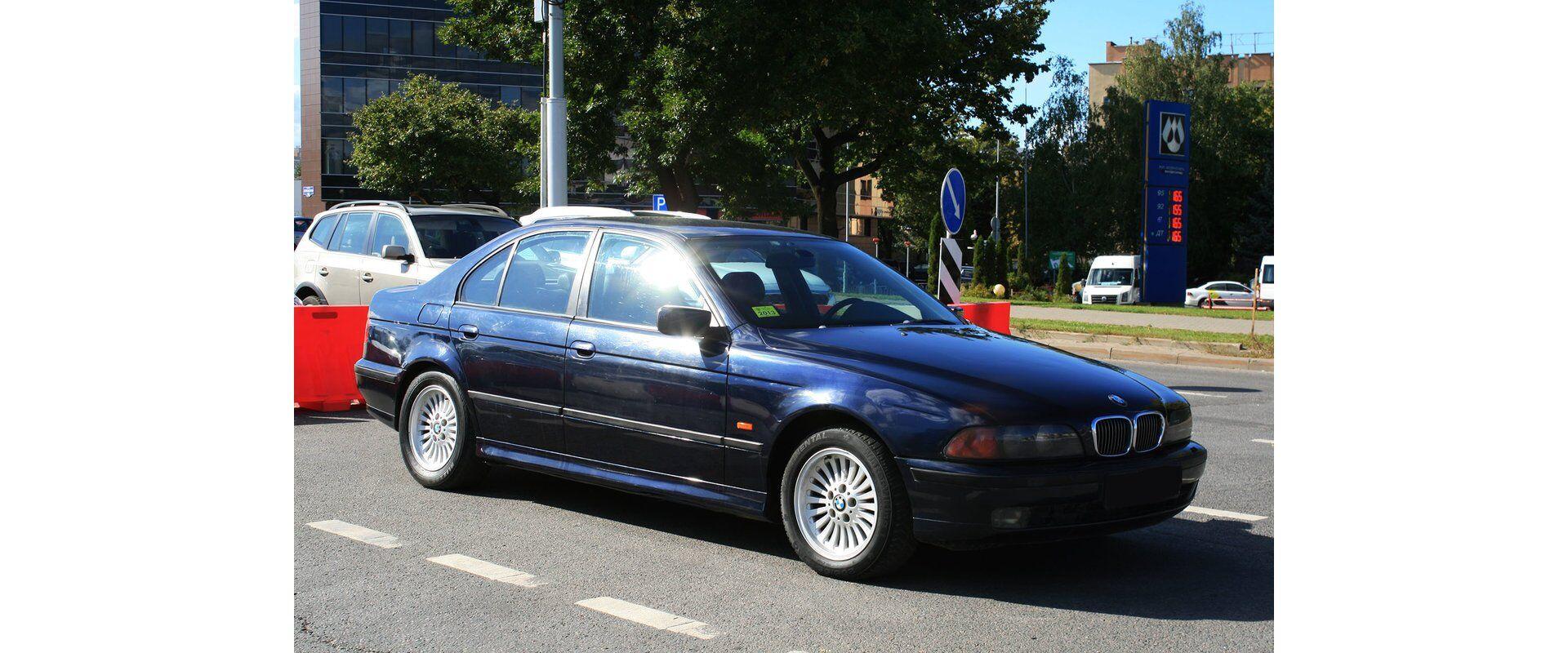 BMW 5 (E39) (1998)