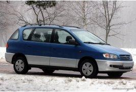 Toyota Picnic (1997)