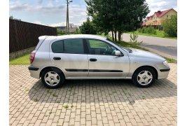 Nissan Almera (2001)